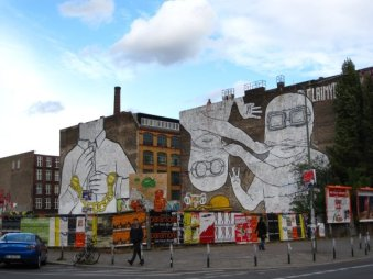 Monumental street art, Berlin