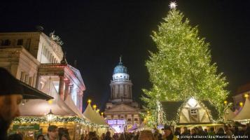 Berlin at Christmas. Image courtesy of Deutsche Welle.